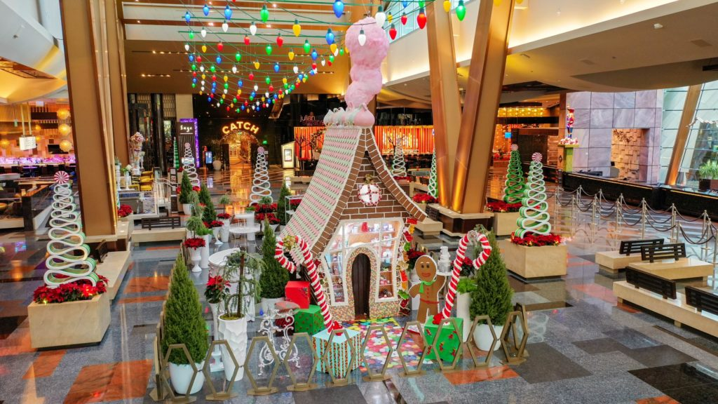 Aria life sized gingerbread house (MGM)